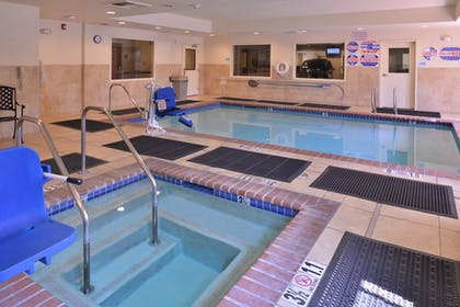 Pool | Holiday Inn Express Hotel & Suites Lincoln