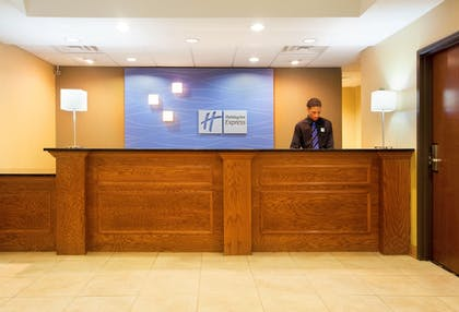 Lobby   Holiday Inn Express Hotel & Suites Chicago South Lansing