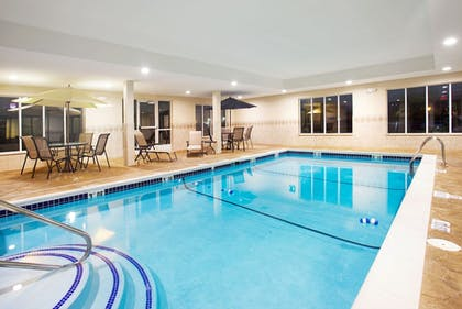 Pool   Holiday Inn Express Hotel & Suites Chicago South Lansing