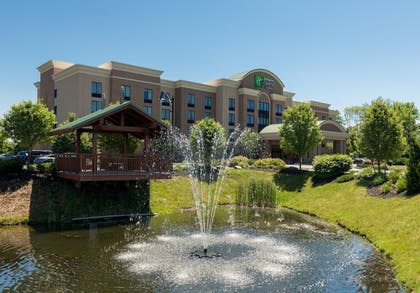 Exterior | Holiday Inn Express & Suites Rochester Webster