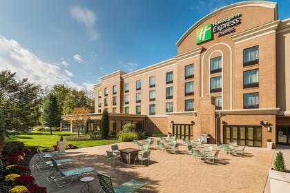 Hotel Front | Holiday Inn Express & Suites Rochester Webster