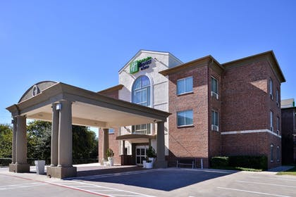 Hotel Front | Holiday Inn Express Hotel & Suites San Antonio