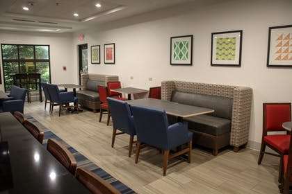 Restaurant | Holiday Inn Express Hotel & Suites Athens