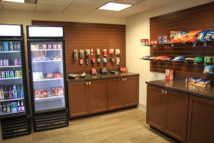 Gift Shop | Holiday Inn Express Hotel & Suites Athens