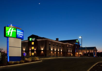 Featured Image | Holiday Inn Express Hotel & Suites Athens