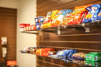Snack Bar | Holiday Inn Express Hotel & Suites Athens