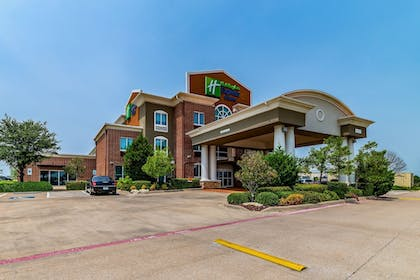 Exterior | Holiday Inn Exp Hotel & Suites Fort Worth I-35 Western Ctr