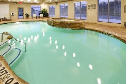 Pool | Holiday Inn Express & Suites Mansfield