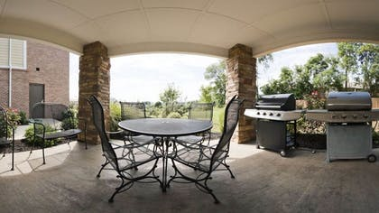 BBQ/Picnic Area   Candlewood Suites Bowling Green