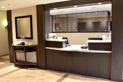 Concierge Desk | Candlewood Suites Bowling Green