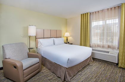 Guestroom   Candlewood Suites Bowling Green