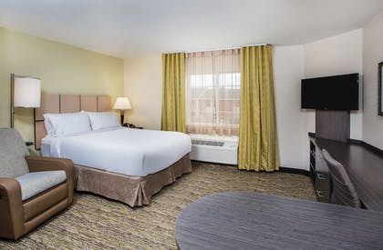 Room   Candlewood Suites Bowling Green