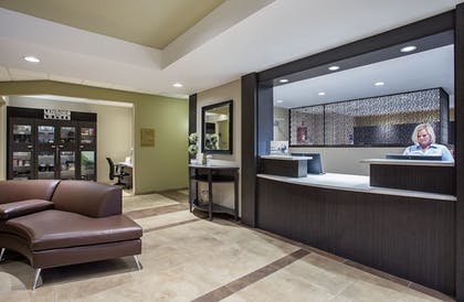 Lobby   Candlewood Suites Bowling Green