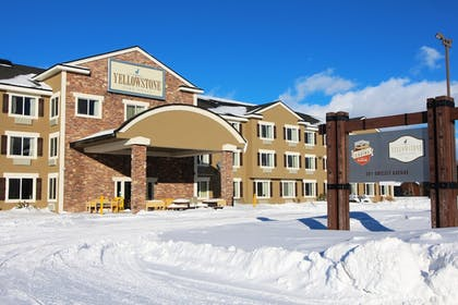 Exterior | Yellowstone Park Hotel