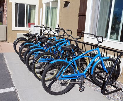 Bicycling | Yellowstone Park Hotel