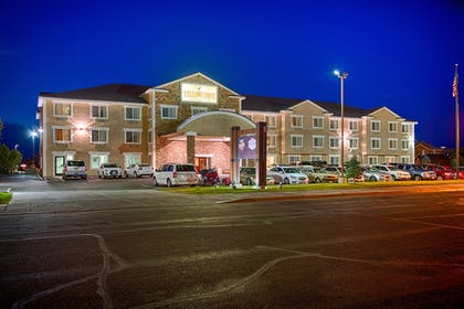 Hotel Front - Evening/Night | Yellowstone Park Hotel