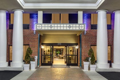 Exterior | Holiday Inn Express Hotel & Suites Greensboro - East