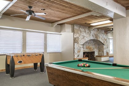 Billiards | Sweetwater Lift Lodge