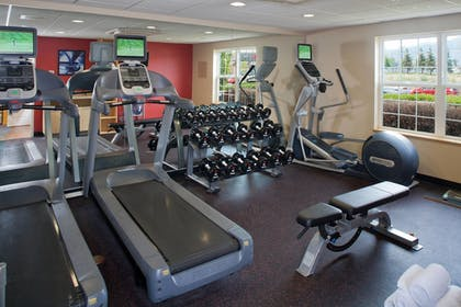Sports Facility | TownePlace Suites by Marriott Medford