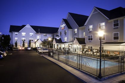 Pool | TownePlace Suites by Marriott Medford