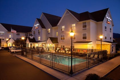 Featured Image | TownePlace Suites by Marriott Medford
