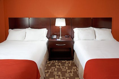 Guestroom | Holiday Inn Express Maspeth