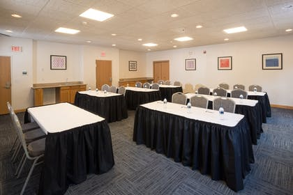 Meeting Facility | Holiday Inn Express Hotel & Suites Detroit - Utica