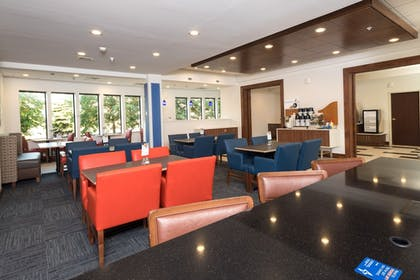 Breakfast Area | Holiday Inn Express Hotel & Suites Detroit - Utica