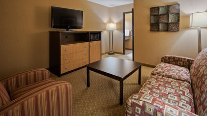 Guestroom | Best Western Crandon Inn & Suites