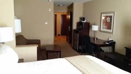Guestroom | Holiday Inn Express & Suites Mobile West - I-65