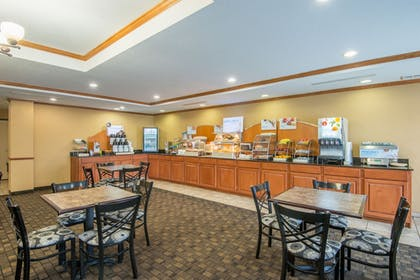 Restaurant | Holiday Inn Express Hotel & Suites El Dorado, Kansas