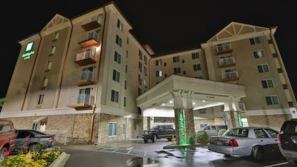 Hotel Front - Evening/Night | Holiday Inn & Suites Asheville Downtown