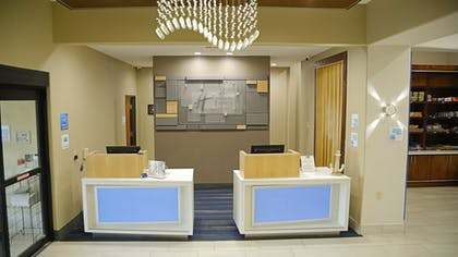 Lobby | Holiday Inn Express Hotel & Suites Texas City