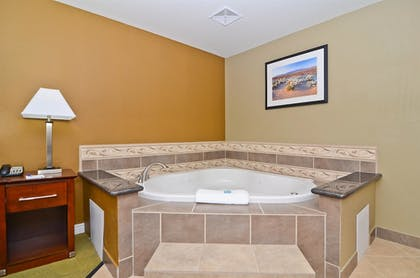 Bathroom | Best Western California City Inn & Suites