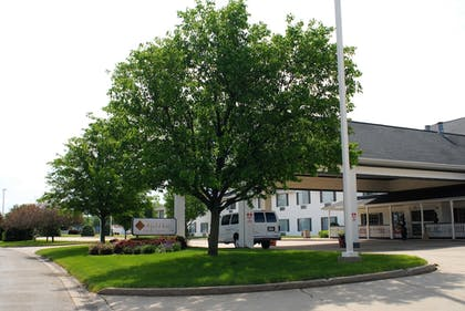 Hotel Front | Northfield Inn, Suites & Conference Center
