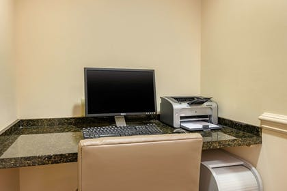 Business Center | Comfort Inn & Suites Airport