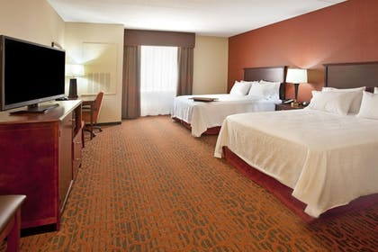 Guestroom | Hampton Inn & Suites MSP Airport/ Mall of America