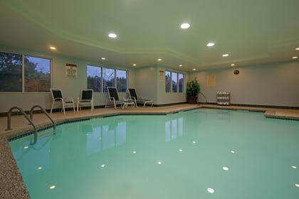 Pool | Holiday Inn Express Hotel & Suites Rochester
