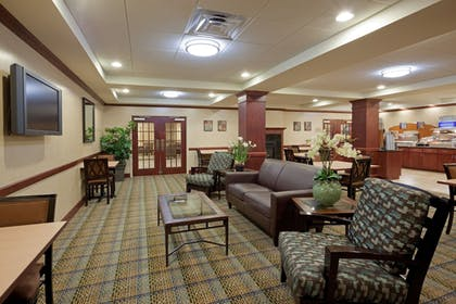 Lobby Sitting Area | Holiday Inn Express Hotel & Suites Rochester