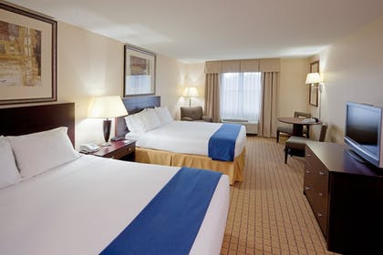 Guestroom | Holiday Inn Express Hotel & Suites Rochester