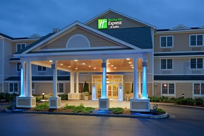 Featured Image | Holiday Inn Express Hotel & Suites Rochester