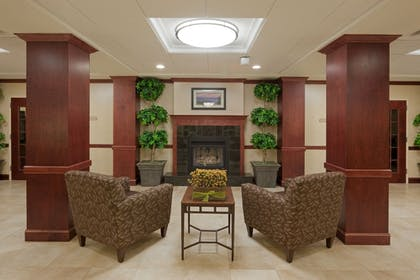 Lobby | Holiday Inn Express Hotel & Suites Rochester