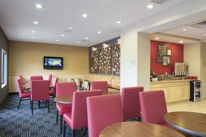 Restaurant | TownePlace Suites by Marriott Kalamazoo
