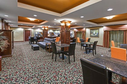 Lobby Lounge | Holiday Inn Express & Suites East Amarillo