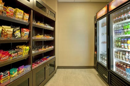 Gift Shop | SpringHill Suites Minneapolis-St Paul Airpt/Mall of America