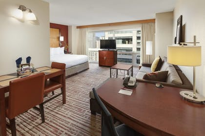   Studio, 1 King Bed with Sofa bed   Residence Inn by Marriott Chicago Downtown / River North