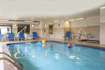 Pool | TownePlace Suites by Marriott - Des Moines Urbandale