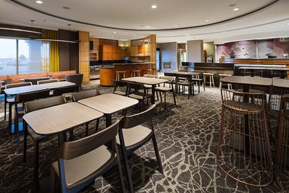 Restaurant | SpringHill Suites by Marriott Denver Airport