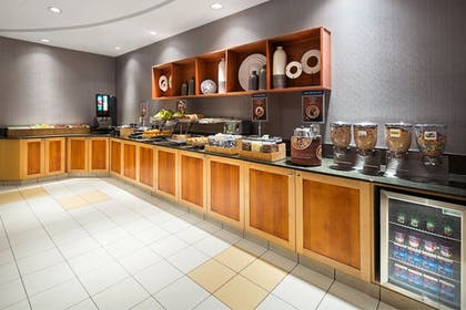 Breakfast Area | SpringHill Suites by Marriott Denver Airport
