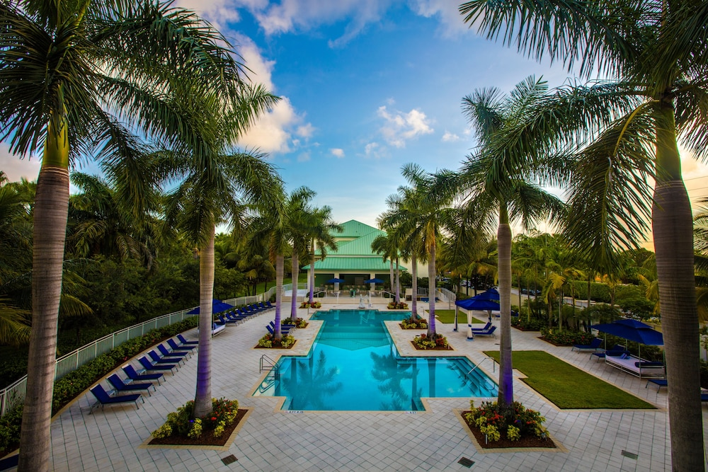 Suites At Provident Doral At The Blue Miami Suiteness